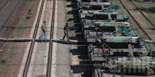 Росіяни курочать військову техніку, яку передають Україні