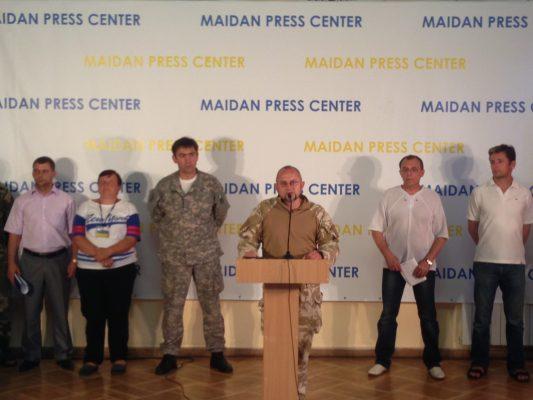 Яценюк прибыл в освобожденный от террористов Славянск - Цензор.НЕТ 3396